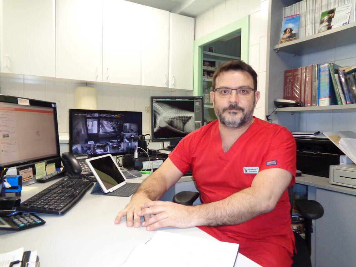 Abraham Pascual (Centro de Urgencias Veterinarias Reina Cristina): «Un centro como ITAS hace que de gusto pertenecer a la profesión»
